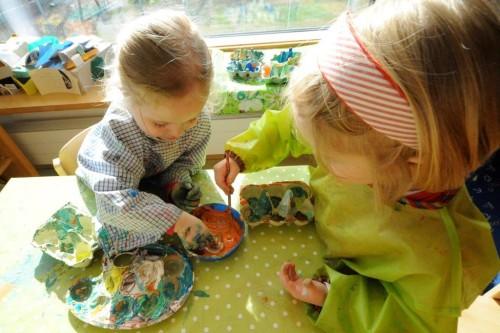 Foto Kiga 2 malende Kinder